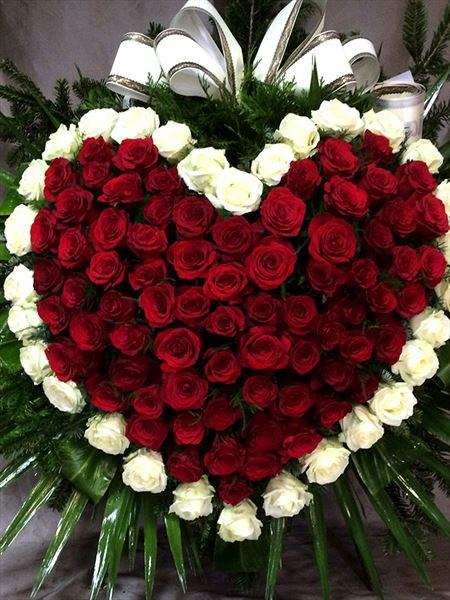 oprawa kwiatowa pogrzebu