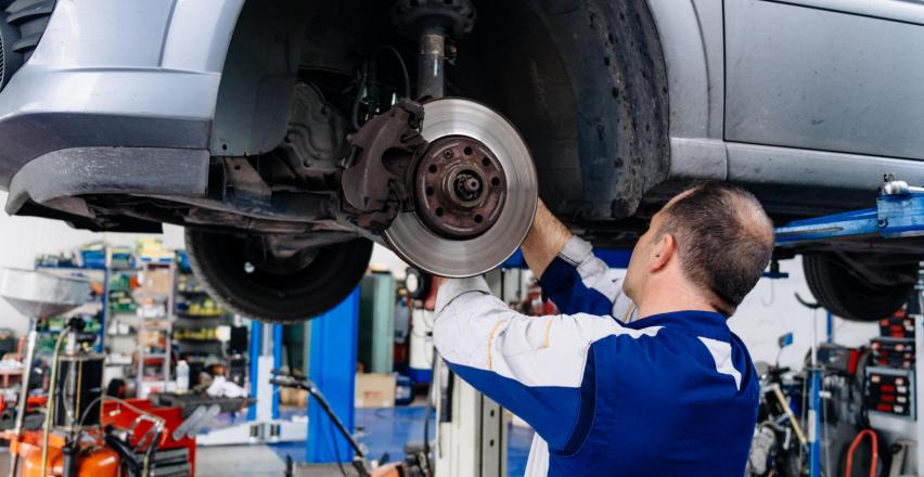 Profesjonalne usługi mechaniki pojazdowej – warsztat i sklep w jednym!