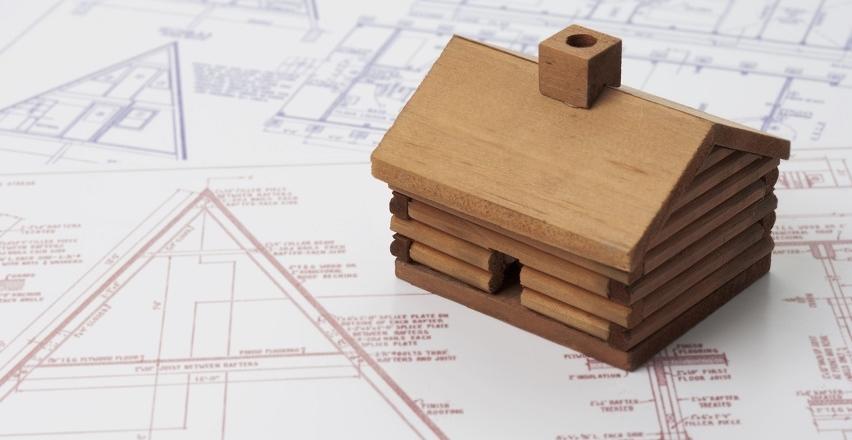 Czy warto wybierać gotowe projekty domów drewnianych?