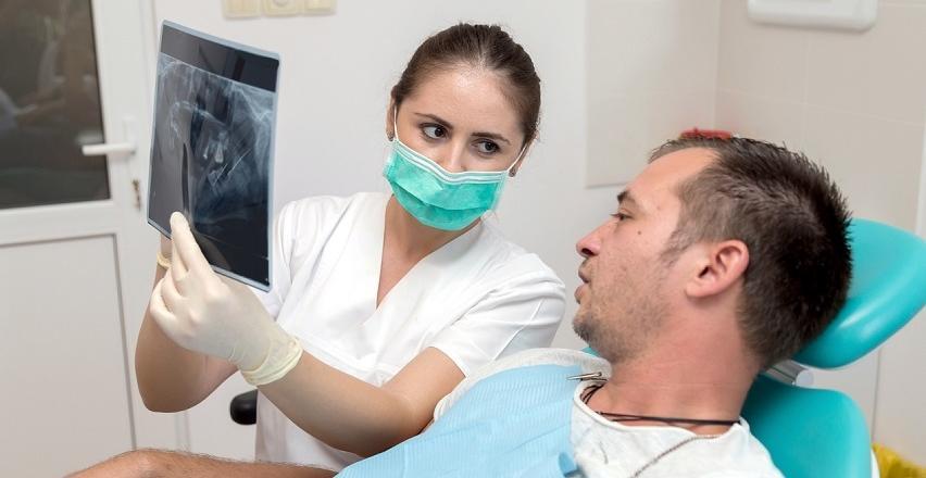 Chirurgia stomatologiczna - jakie zabiegi obejmuje?