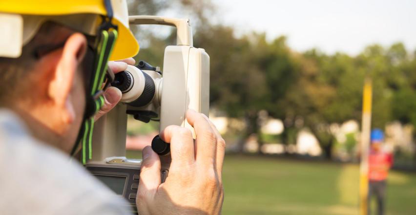 Czym kierować się przy wyborze geodety?