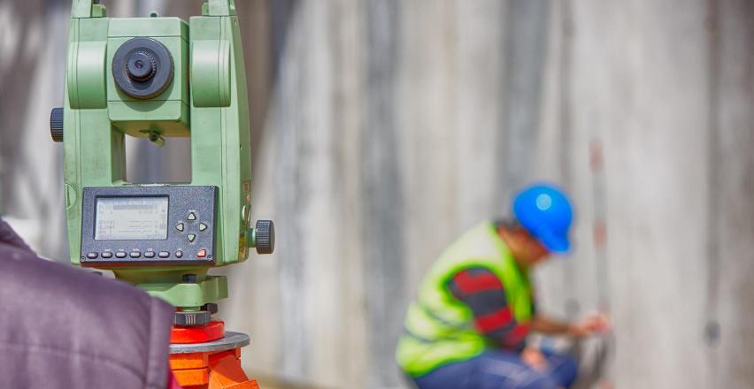 Jakie pomiary wykonuje geodeta pod budowę domu?
