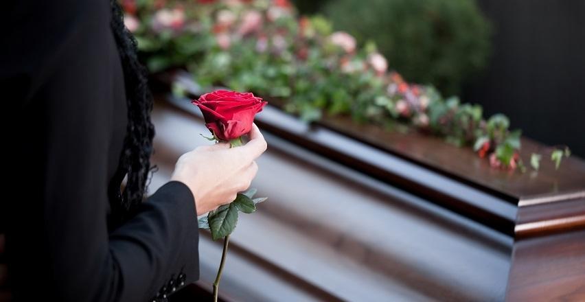 Sala przedpogrzebowa. Jak wygląda ostatnie pożegnanie zmarłego?