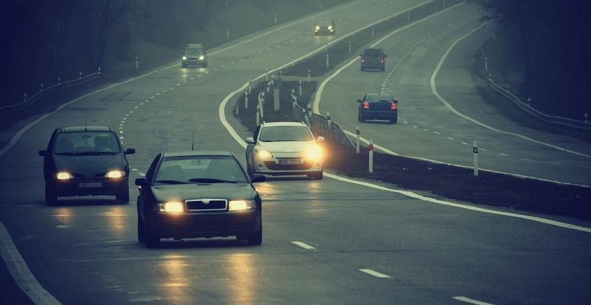 Prawidłowe oświetlenie samochodu. Co mówią przepisy?