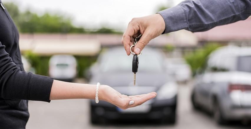 Jak wybrać idealny samochód na wynajem?