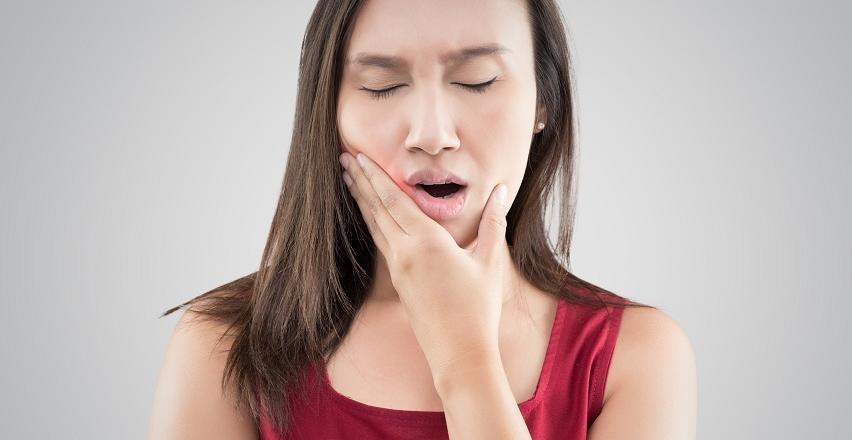 Czym charakteryzuje się suchy zębodół?