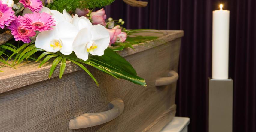 O czym powinieneś pamiętać podczas organizacji pogrzebu?