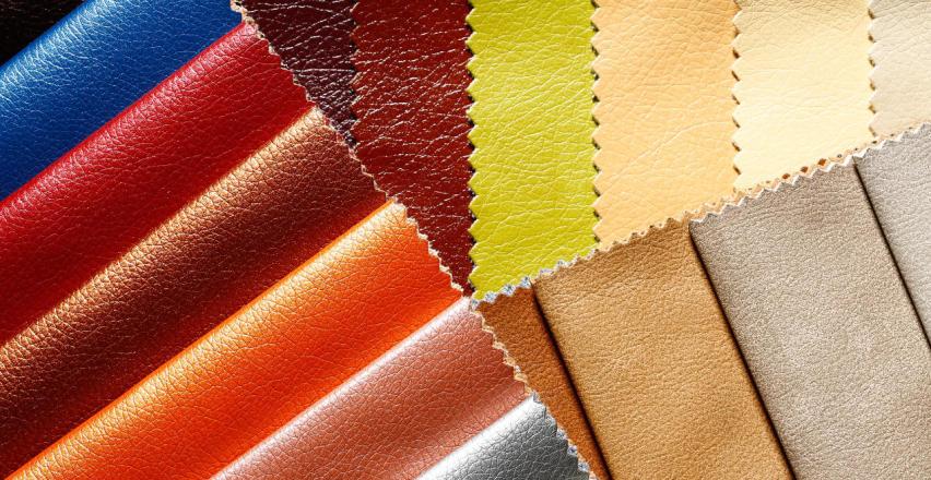 Czy ekoskóra to praktyczny materiał na tapicerkę kanapy?