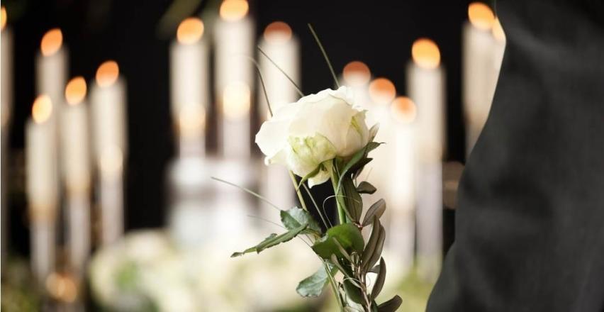 Profesjonalna pomoc przy organizacji uroczystości pogrzebowych