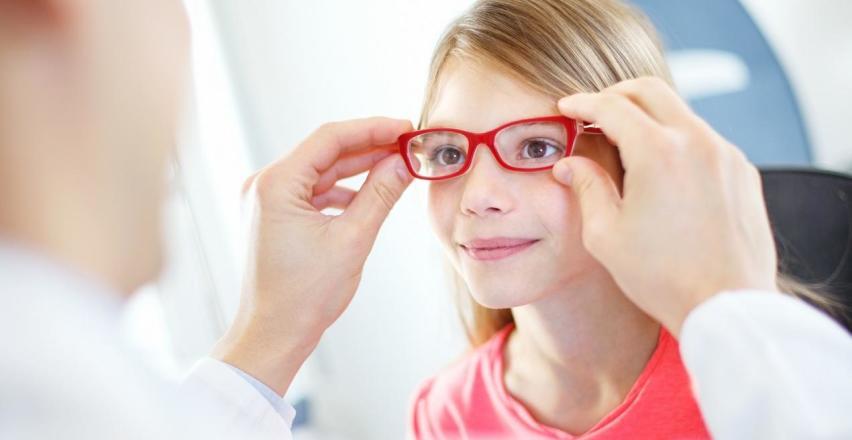 Oprawy okularowe dla dzieci. Co jest teraz w modzie?