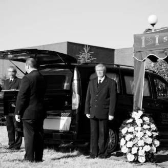 Zakład Pogrzebowy Styks – Jak zorganizować poczęstunek dla krewnych i znajomych zmarłego?