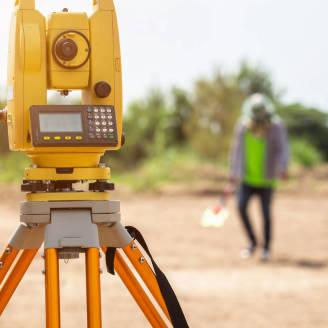 Niezbędna pomoc geodety przy budowie domu