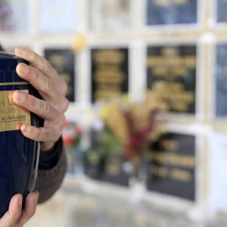 Przygotowanie do kremacji z zakładem pogrzebowym Grzegorza Cieśli