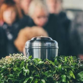 Na czym polega pogrzeb z kremacją zwłok?