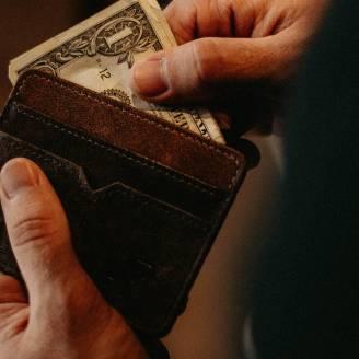 Potrzebna gotówka, a banki zamykają drzwi? Pożyczka w parabanku – dobre rozwiązanie finansowe
