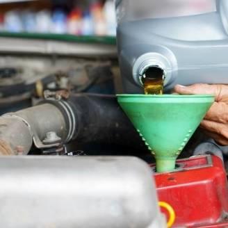 Jak często wymieniać olej silnikowy w ciężarówce?