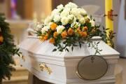 Etapy organizacji pogrzebu. O czym należy pamiętać?