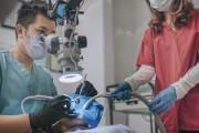 Jakie zalety ma leczenie zęba pod mikroskopem?