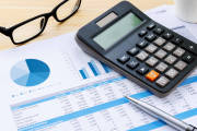 Biura rachunkowe – dlaczego warto skorzystać z ich usług?