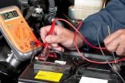 Jak sprawdzić stan akumulatora w pojeździe?
