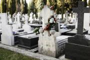 Jak przygotować ciało zmarłego do pochówku?