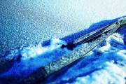 Jak dbać o wycieraczki samochodowe zimą?